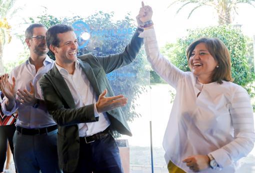 Pablo Casado arropa a Isabel Bonig durante el acto de inicio de curso político del PPCV