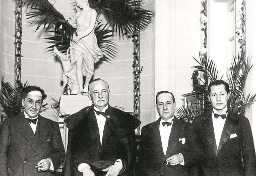 Corría noviembre de 1929 cuando Miguel y José Antonio Primo de Rivera participaron en el homenaje a los hermanos Machado en el Ritz