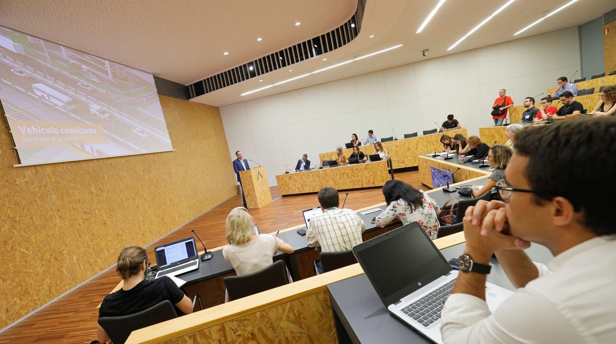 La Lanzadera de Juan Roig y Volskwagen buscan talentos en España para revolucionar el sector