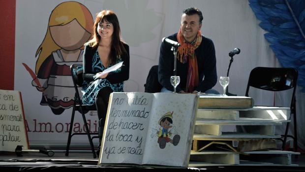 Carlos Zanón, Almudena Grandes y Andreu Martín, en «Almodariel Lee»