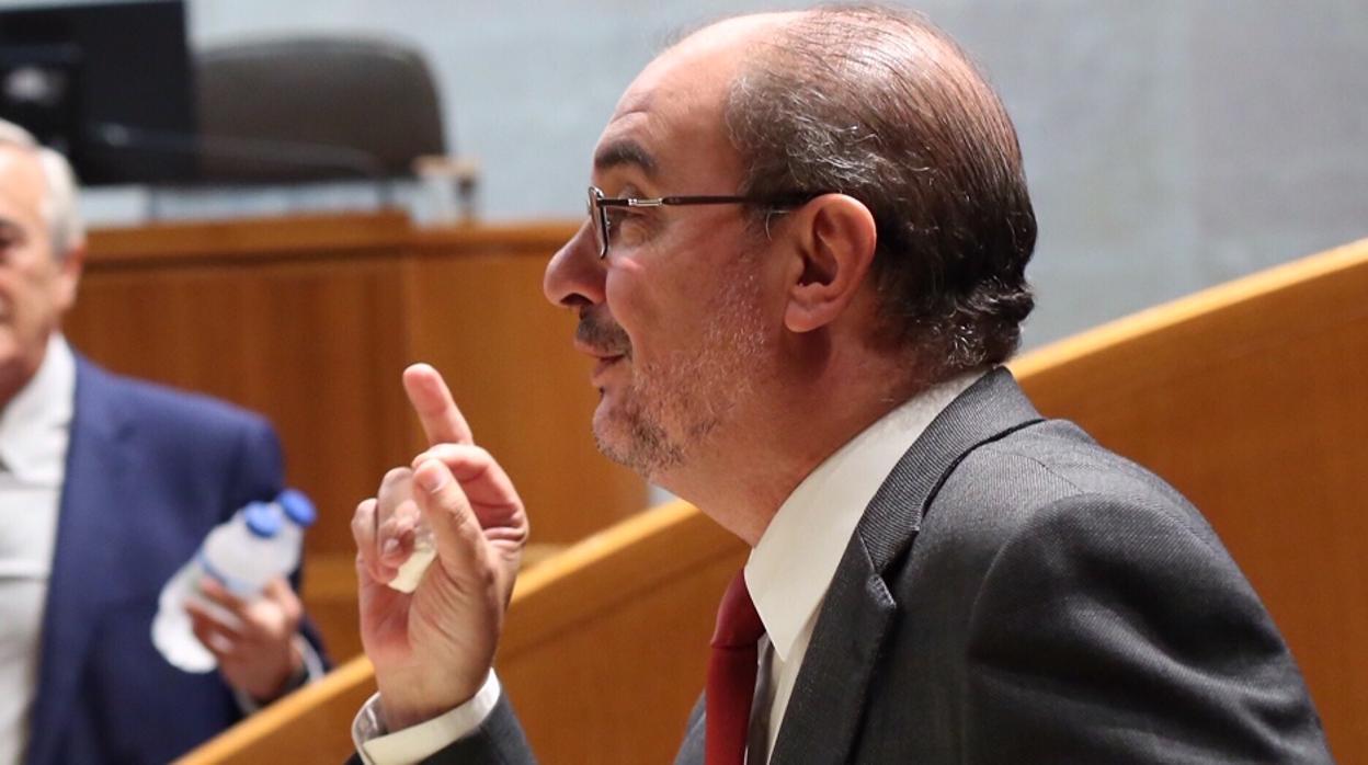 Lambán carga contra el Gobierno por su «dejación» frente al independentismo