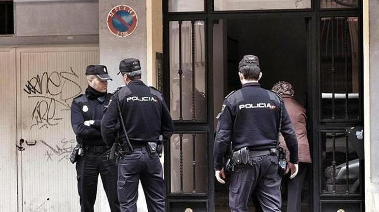 Un hombre mata a sus hijas de tres y seis años en Castellón y luego se suicida