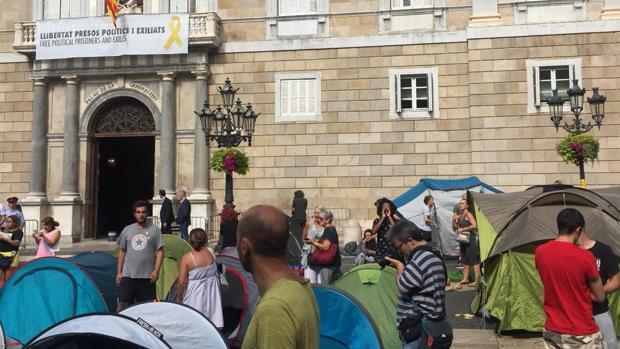 Acampada en la Plaza Sant Jaume