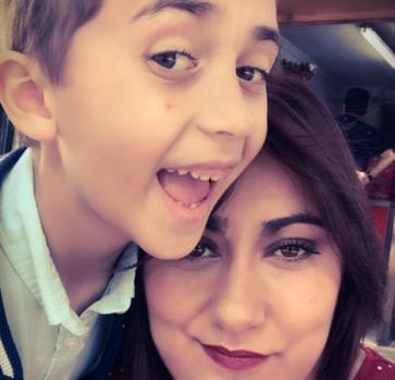Ana, Sánchez con su hijo Antonio, de 7 años
