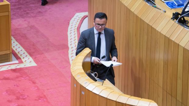 José González momentos antes de una intervención en el Parlamento gallego