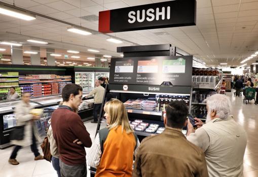 Imagen de la sección de sushi en un supermercado de Mercadona en Sagunto