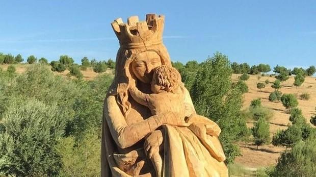 Virgen del Abrazo, ubicada en el parque forestal de Valdebebas