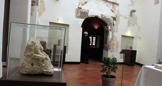 Algunas de las piezas arqueológicas expuestas en la Casa del Temple