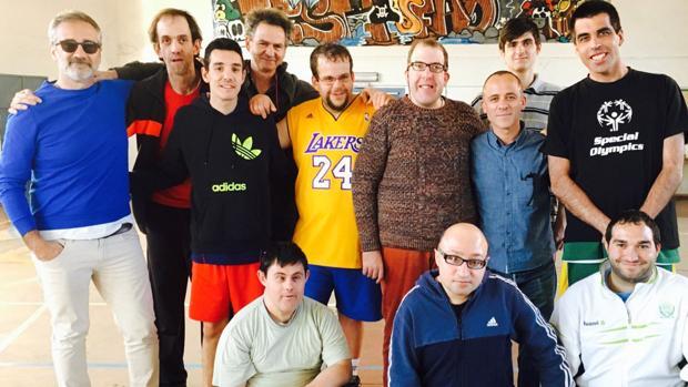Javier Fesser y Javier Gutiérrez, junto a los actores protagonistas