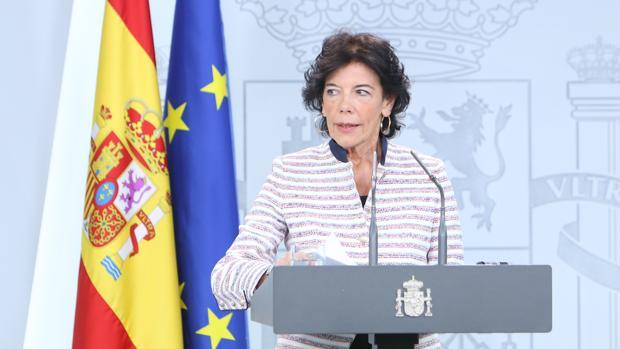 La ministra portavoz, Isabel Celaá, durante su comparecencia ayer en La Moncloa para responder a Quim Torra