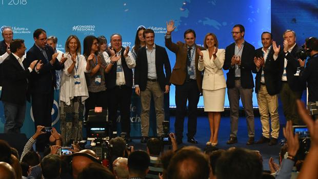 El nuevo presidente del PP de Castilla-La Mancha, Paco Núnez, acompañado por la expresidente regioanl María Dolores de Cospedal y por el líder nacional de la formación , Pablo Casado