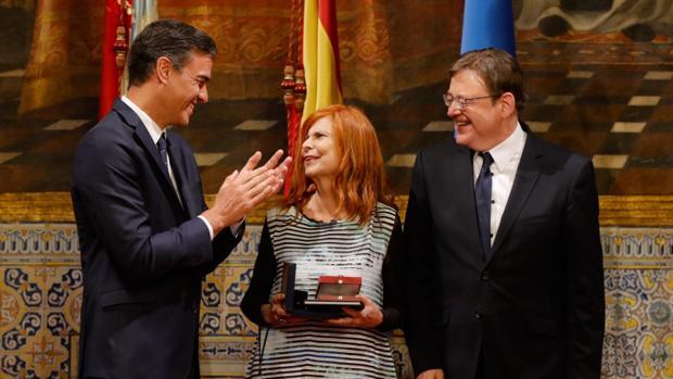 Imagen de Pedro Sánchez y Ximo Puig con la exministra Carmen Alborch