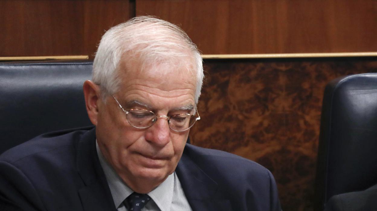 La CNMV sanciona a Borrell por vender acciones de Abengoa antes de que bajase el precio
