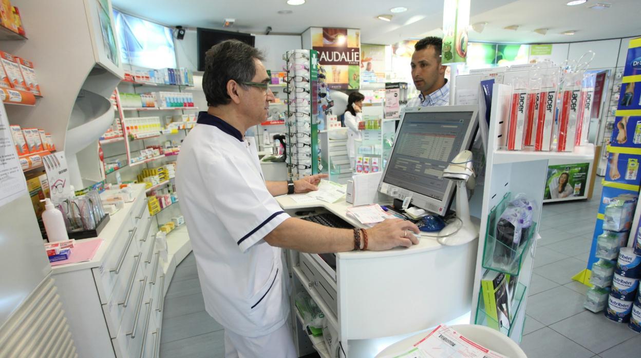 Tres detenidos por adquirir pastillas mediante recetas médicas falsas en farmacias para exportar a Marruecos
