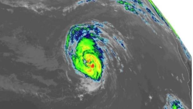 Foto de indrarojos del huracán Leslie este jueves desde un satélite
