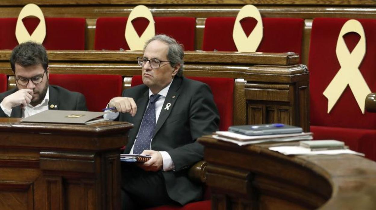 El Parlament aprueba reprobar al Rey por su actuación tras el 1-O y reclama abolir la Monarquía