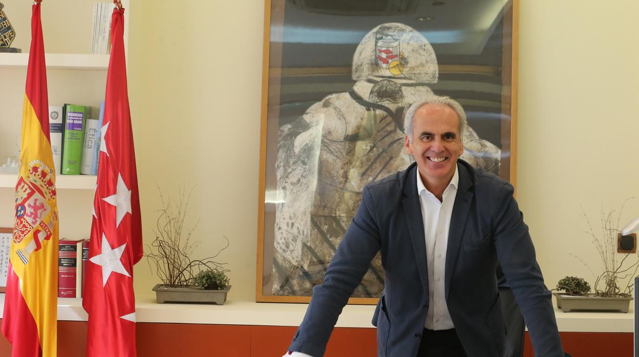 Enrique Ruiz Escudero: «Ya hay 1.600 camas para hospitalización a domicilio en la región»