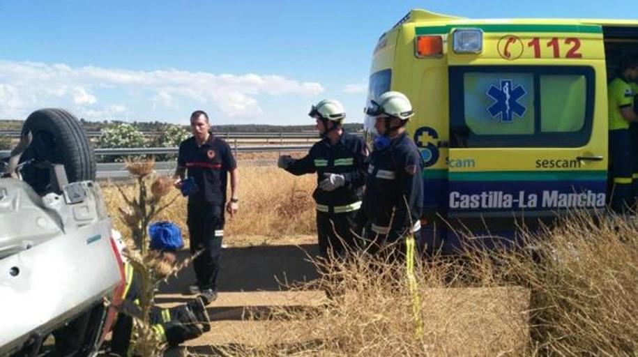 Ocho heridos en una colisión frontal entre una furgoneta y un turismo en Alcázar