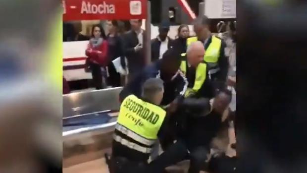 Forcejeo ocurrido ayer en la estación de Atocha
