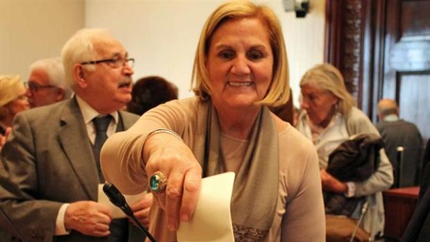 El Parlament reprueba a Núria de Gispert por sus insultos xenófobos a Inés Arrimadas