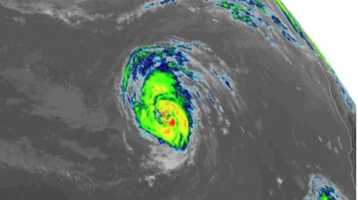 El huracán Leslie enfila a la Península