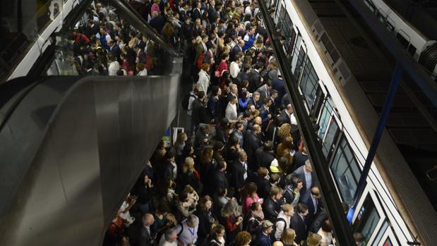 Metro de Nuevos Ministerios, a primera hora de la mañana, el pasado miércoles