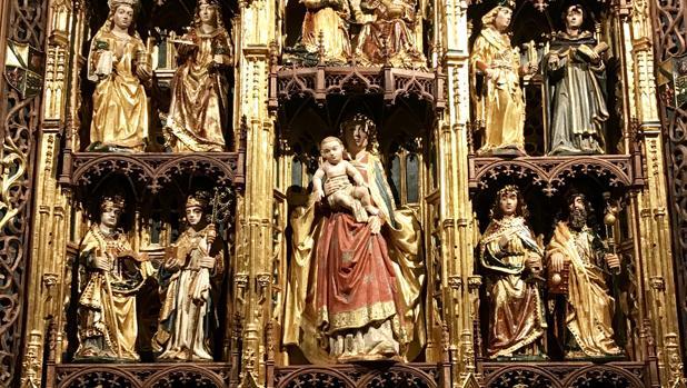 La pieza, de incalculable valor, ocupa un lugar destacado en el Altar Mayor de la capilla