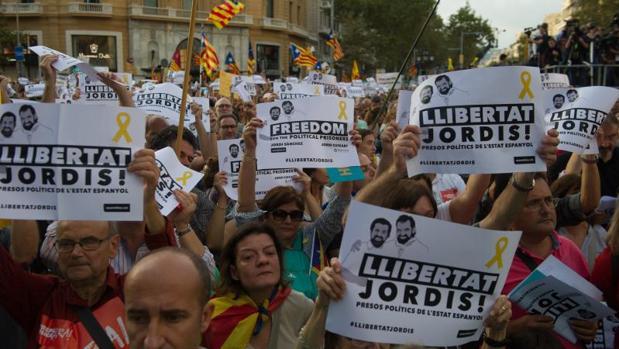 Detalla de una manifestación de protesta por el encarcelamiento de los Jordis, el octubre de 2017