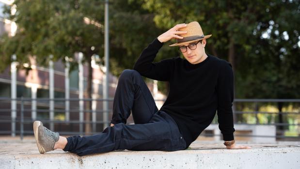 Jakub Jozef Orlinski, fotografiado cerca del Auditori de Barcelona