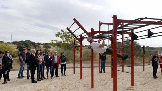 La alcaldesa, Milagros Tolón, asistió a la inaguruación del parque