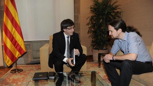 Pablo Iglesias hablará con Puigdemont y Urkullu tras su reunión con Junqueras en la cárcel