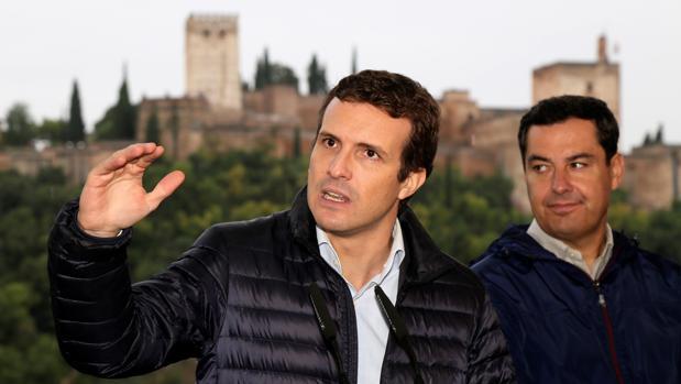 Pablo Casado y Juan Manuel Moreno, el sábado en Granada