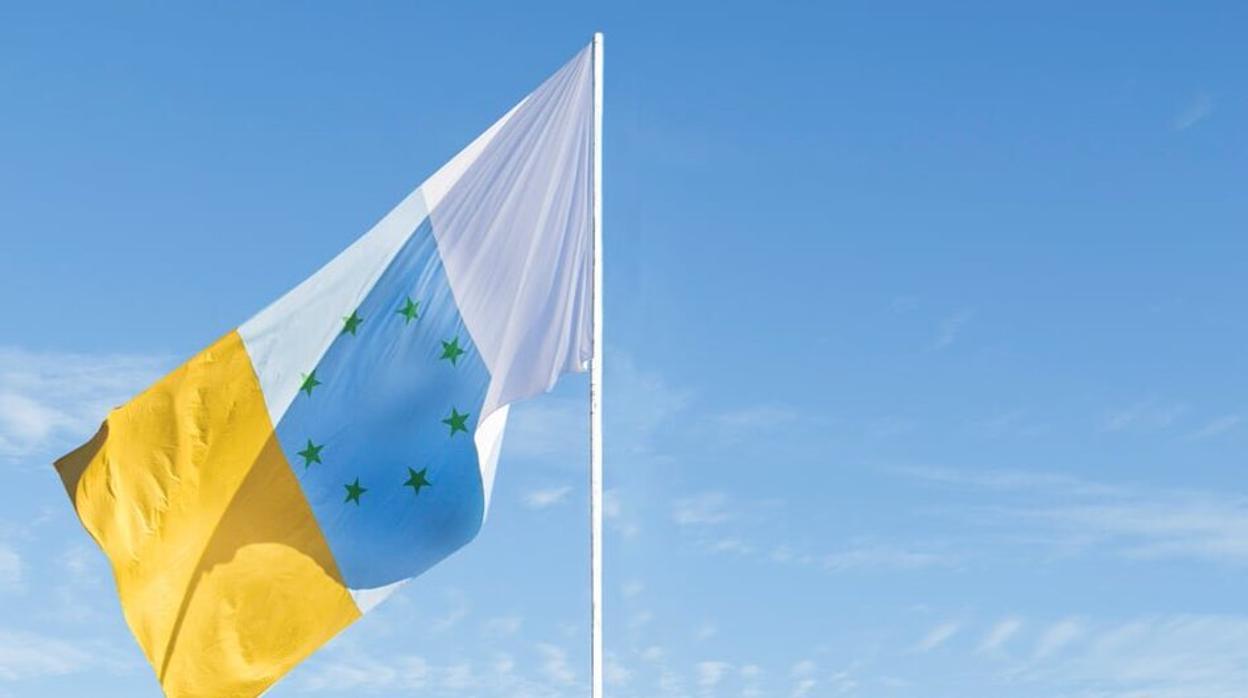 Añaden una estrella a la bandera separatista canaria