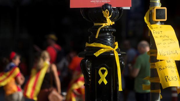 El cónsul honorario de Grecia en Barcelona destituido por ofender a la bandera niega conocer su cese