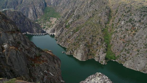 Presa de Aldeadávila, en Salamanca, donde Iberdrola tiene una de sus principales centrales hidroeléctricas