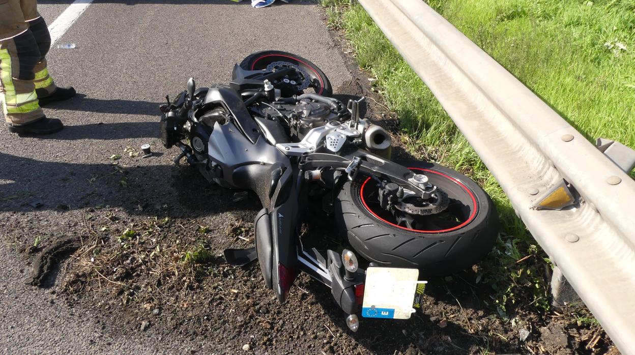 El conductor del coche que mató a un motorista iba drogado y lo arrolló a propósito