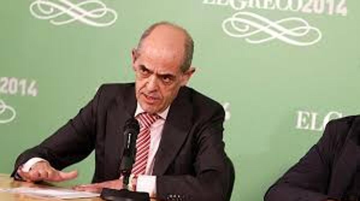 Carrobles seguirá de presidente de la Academia hasta final de año