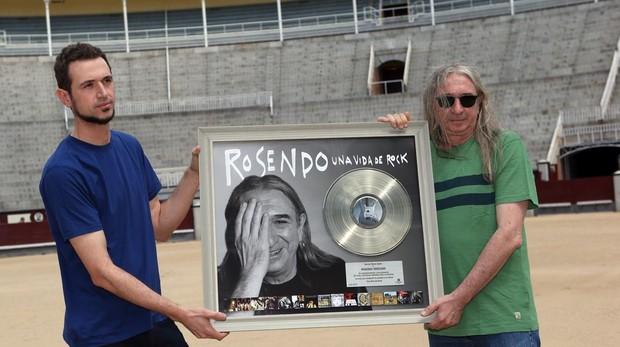 Rosendo Mercado (derecha) y su hijo Rodrigo, en una imagen de archivo