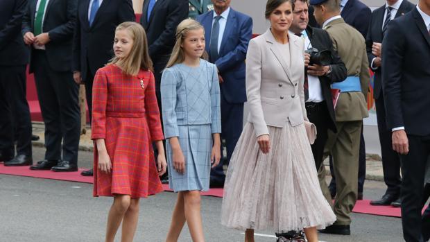 La Princesa de Asturias, junto a su hermana y la Reina, el pasado 12 de octubre