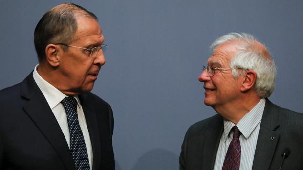 Sergei Lavrov y Josep Borrell