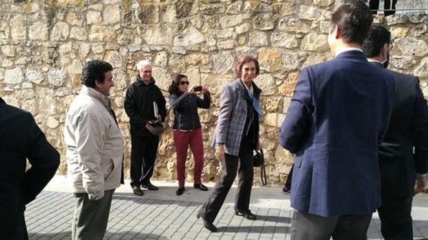 La reina Sofñia, durante una de sus últimas visitas a Cuenca