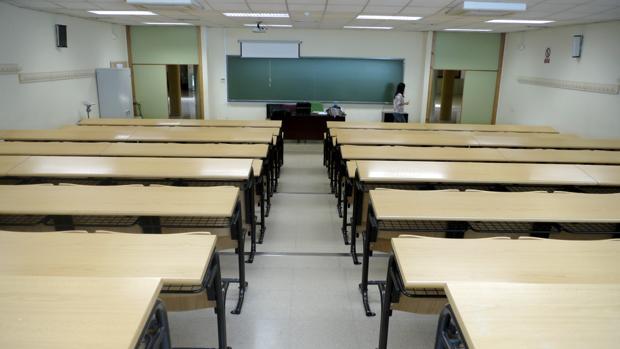 Aula vacía de un instituto