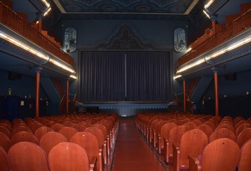 Sala principal del Cine Doré con capacidad para 315 personas