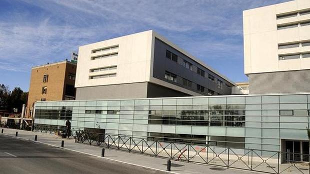 Un guardia de seguridad evita un intento de suicidio de una paciente en el hospital de Parapléjicos