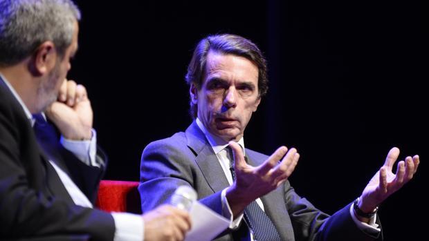 Aznar, durante su conferencia ayer en Valladolid