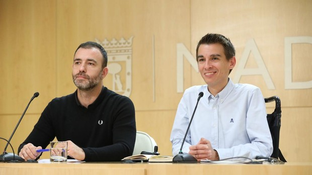 Murgui (izquierda) y Soto, el lunes, presentando el nuevo presupuesto para votar proyectos participativos