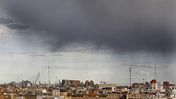 Imagen de cielo sobre Valencia