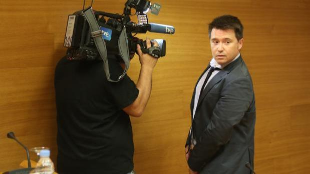 El redactor de À Punt Frederic Ferri, en las Cortes Valencianas en una imagen de archivo