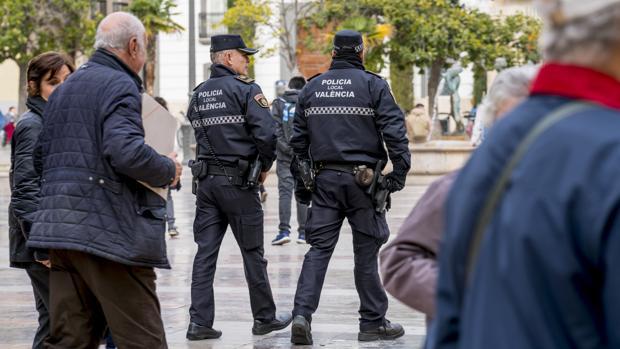 Imagen de archivo de agentes de Policía en Valencia