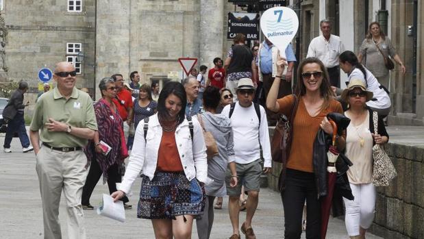 Santiago prohíbe los pisos turísticos y los nuevos hoteles en el casco  histórico 90162ab1252